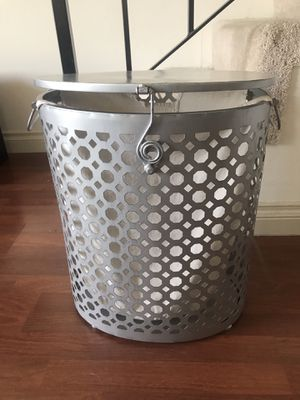 Laundry basket for Sale in Beverly Hills, CA