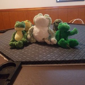 Stuffed animals Frogs for Sale in Newburgh Heights, OH