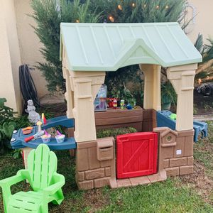 little tikes playhouse play house for Sale in Fontana, CA