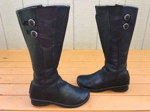 KEEN BERN BABY BERN LADIES BLACK LEATHER TWIN BUCKLE SIDE ZIP RIDING BOOTS SZ 8 for Sale in Puyallup, WA