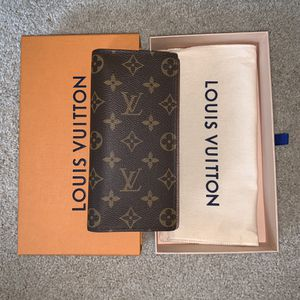 NEW Authentic Louis Vuitton Brazza Wallet in Monogram for Sale in Seattle, WA