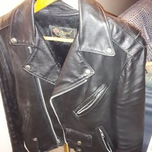 Motorcycle jacket with detachable fur lining for Sale in Garden City, MI