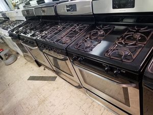 Gas stove for 200 and up for Sale in Dearborn, MI