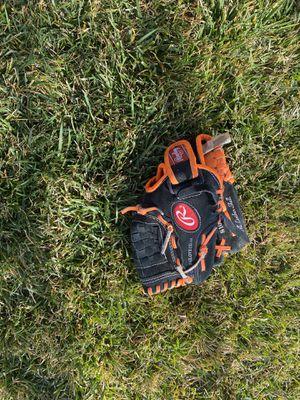 Tball baseball gloves for Sale in Fontana, CA