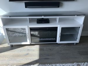 "70"" TV Stand w/ Build in Electric Fireplace for Sale in Tampa, FL"