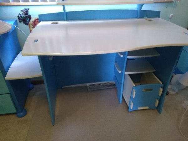 White - Blue Desk