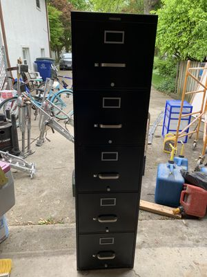 Steel case 5 drawer filing cabinet for Sale in Columbus, OH