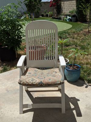 Reclining Backyard lounge chair for Sale in San Diego, CA