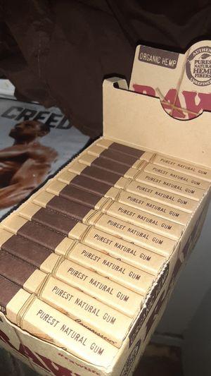 Organic Hemp RAW Connosseur 1 1/4 Size +Tips for Sale in Philadelphia, PA