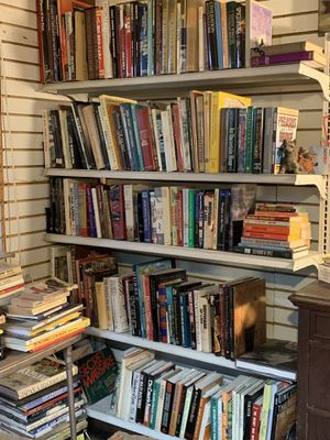 FREE BOOKS 📚 MUST TAKE ALL for Sale in East Los Angeles, CA