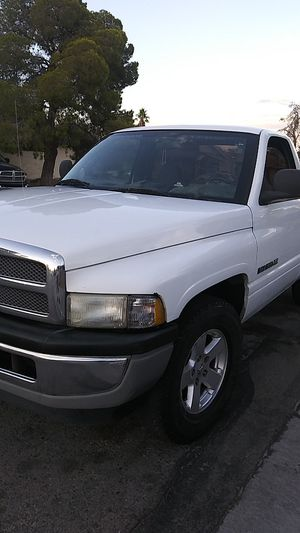 2002 Dodge Ram 5 speed for Sale in Las Vegas, NV