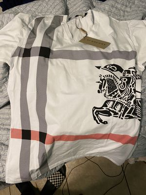 Burberry graphic tee for Sale in Clearwater, FL