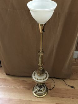 Vintage torchiere stiffer Hollywood regency lamp for Sale in Beaver Falls,  PA