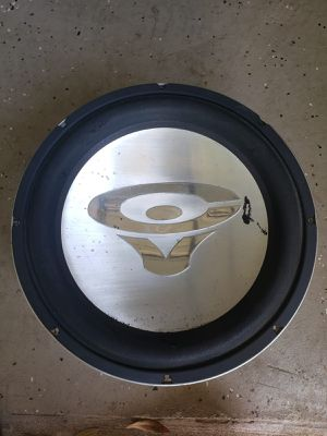 """One Subwoofer 15"""" Cerving Vega 1200 Watts dual coil it works at 2 ohms, model V MAX in good condition for Sale in Orlando, FL"""