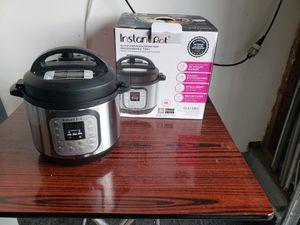 Instant pot 7-in-1 multipurpose cooker 3qt for Sale in Anaheim, CA