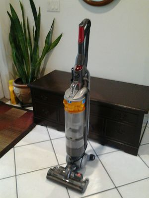 Dyson DC vacuum cleaner excellent condition works great! No Lowballers! for Sale in Coconut Creek, FL