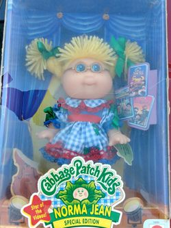 Cabbage Patch Collectors Item Kinda Damaged But Still In Original Box In Good Shape. for Sale in Fresno,  CA
