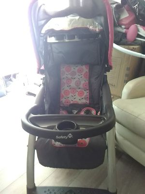 Infant car seat and girls for Sale in Anderson, SC
