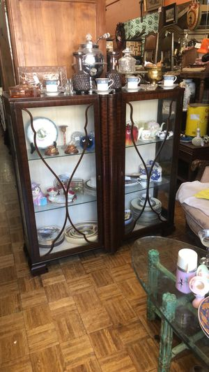 Vintage antique display China cabinet pick up or delivery la Mesa for Sale in San Diego, CA