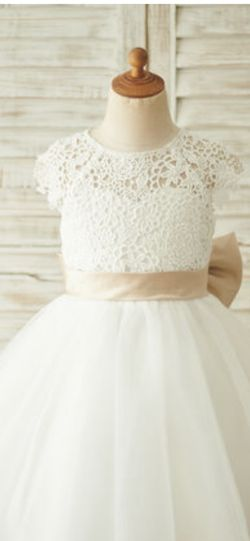 White A-Line Flower Girl Dress With Sash/Bow (Size 10, Fits 7+) for Sale in Pompano Beach,  FL