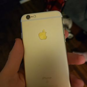 Iphone 6s For Parts for Sale in Detroit, MI