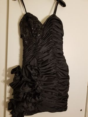 Taffeta and sequins short cocktail dress, Size 6 for Sale in Brewer, ME