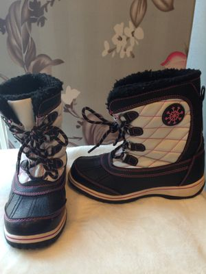 Kids Snow boots size 2 for Sale in Reston, VA