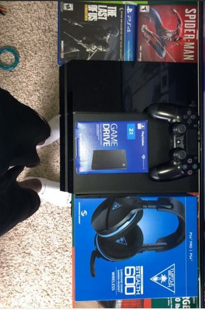 PS4 bundle for Sale in Ludlow, KY