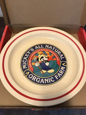 Disney organic farm collectors serving plate in box for Sale in Yalesville, CT