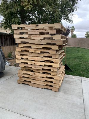 Wooden Pallets FREE for Sale in Winchester, CA