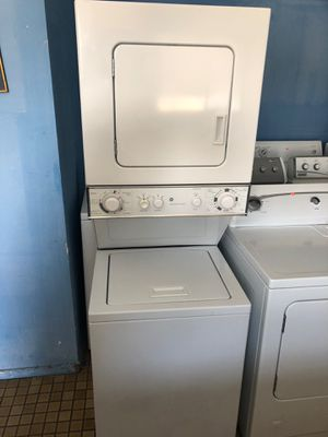 """GE 24"""" stackable Washer electric dryer 220v for Sale in San Diego, CA"""