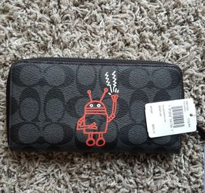 Coach large wallet for Sale in Milpitas, CA