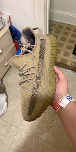 Yeezy 350 V2 Earth for Sale in Queens, NY