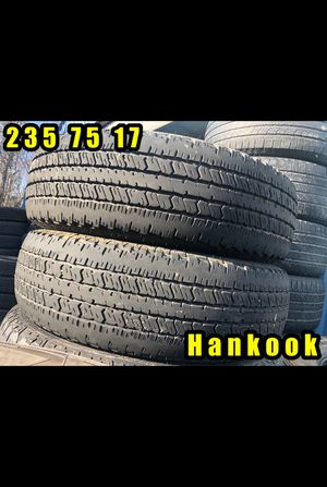 235 75 17 HANKOOK MATCHING PAIR EXCELLENT TREAD for Sale in Greer, SC