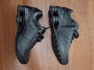Nike shox deliver mens shoes size 9 for Sale in Laurel, MD