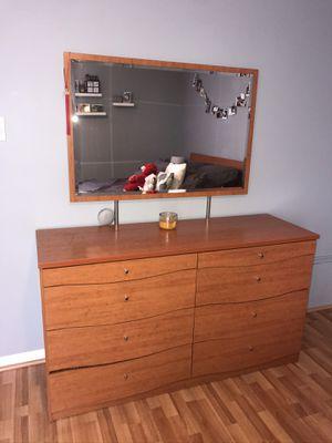 Modern Queen bedroom set for Sale in Feasterville-Trevose, PA