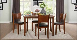 5 Pcs dining table. New in boxes. Price firm NQCZS for Sale in La Verne, CA