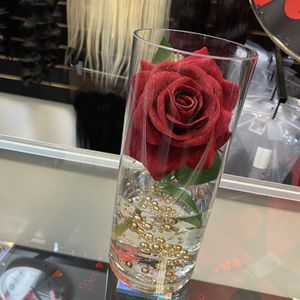 FLOWER VASE for Sale in Las Vegas, NV