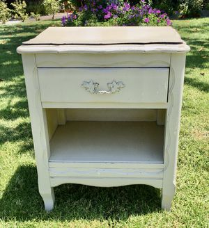 Antique Night stand for Sale in Whittier, CA