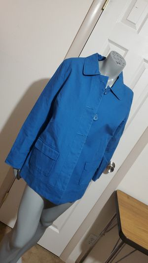 Ladies OLD NAVY Raincoat Size L. Petite. for Sale in El Paso, TX