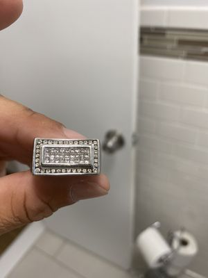 14k white gold ring with 2.5 princess cut diamonds for Sale in Scarsdale, NY