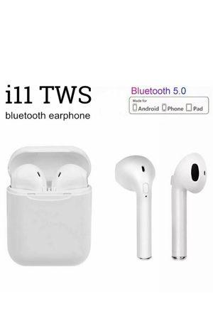 Audifonos de venta headphones earbuds wireless Bluetooth for Sale in Denver, CO