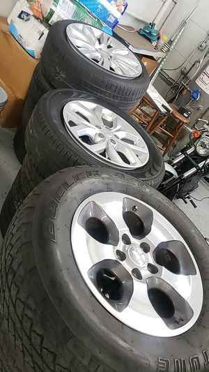 Range rover and jeep wrangler wheels for Sale in Westmont, IL