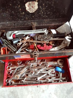 Old metal tool box 60lbs of sockets n wrenches all for 30obo for Sale in Galloway, OH
