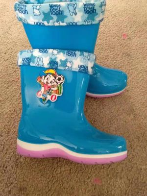 Brand new kid warm rain boots for Sale in Pacifica, CA