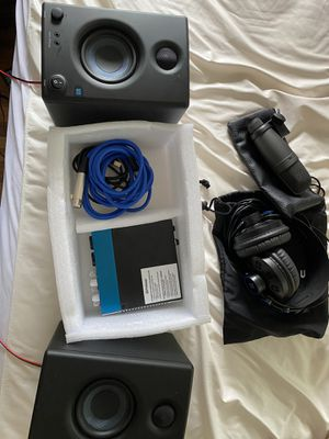 Presonus audio box an speakers with mic an headphones for Sale in San Diego, CA