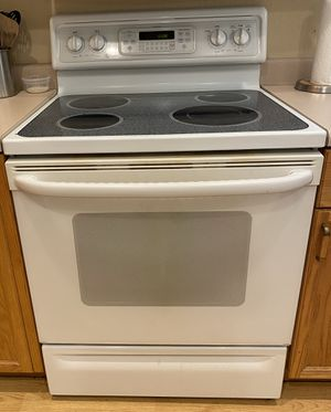 "Set of 3 ""like new"" kitchen appliances for Sale in Brighton, CO"