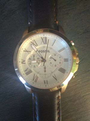 Men's FOSSIL WATCH EXCELLENT CONDITION genuine leather for Sale in Port Neches, TX
