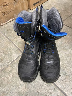 Dakota men's work boot thermoelectric boot sizes available 11 and 12 for Sale in Miami, FL