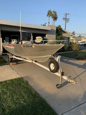16ft Aluminum center console fishing boat for Sale in HUNTINGTN BCH, CA